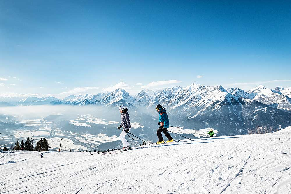 Skifahren in der Tiroler Bergwelt
